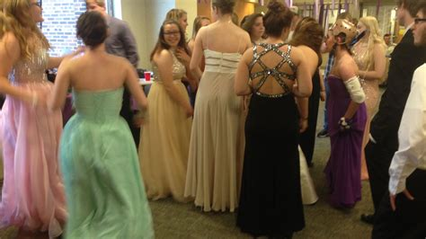Surprise prom for injured student
