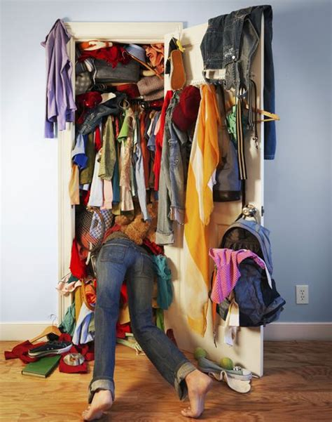 Cleaning Out Closet by 8 Steps To Clean Out Your Closet And Reset Your Style