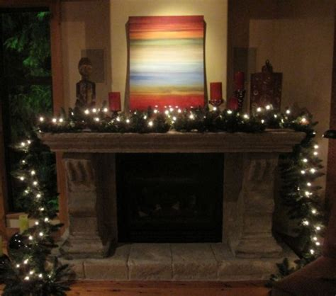 how to create a countrified garland for your mantle
