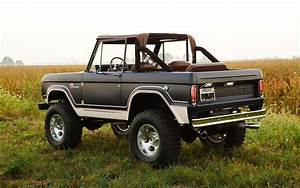 Gateway Builds Brand-New, First-Gen Ford Broncos. Really. - InsideHook