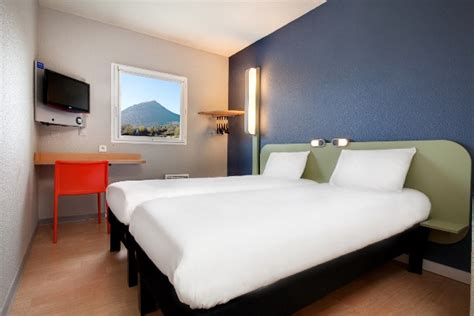 chambre ibis hotel ibis budget hôtels riom auvergne tourisme