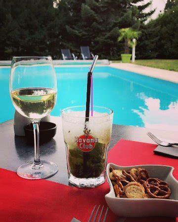 direct cuisine haguenau superbe apéritif en bord de piscine dans un cadre chaleureux photo de chez ernest haguenau