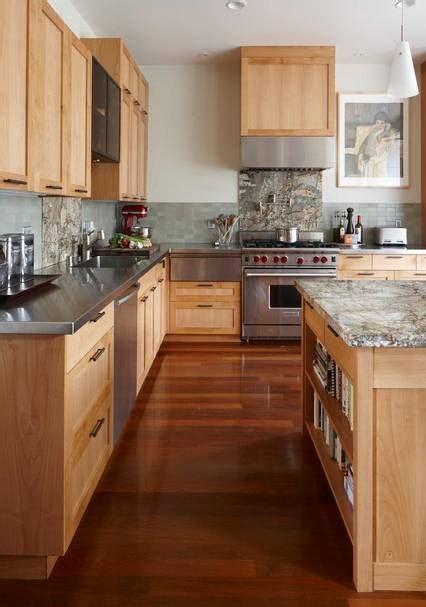 una cocina de color chocolate pisos al  pisoscom