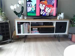Ikea Pied De Meuble : un meuble t l sur pied customis et accueille un caisson de basse bidouilles ikea pinterest ~ Dode.kayakingforconservation.com Idées de Décoration