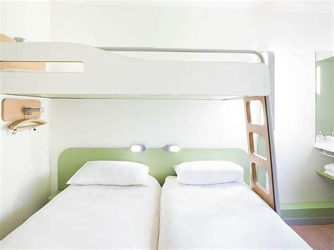 hotel chambre 3 personnes hotel ibis budget porte de montmartre