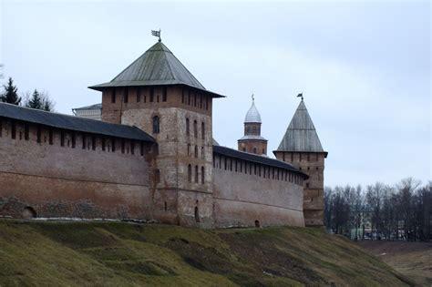 Ученые установили подлинный возраст Новгородского кремля