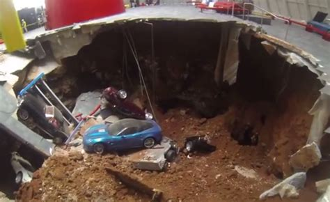 Corvette Museum Sinkhole 2014 by Gm To Oversee Restoration Of Historic Corvettes