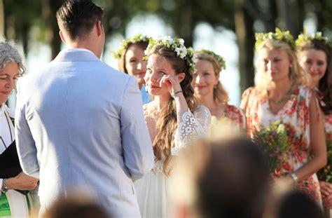 Backyard Wedding in Bayfield   a simple photograph