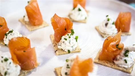 canape chesterfild smoked salmon canape