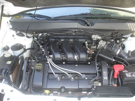 Ford Duratec V6 Engine