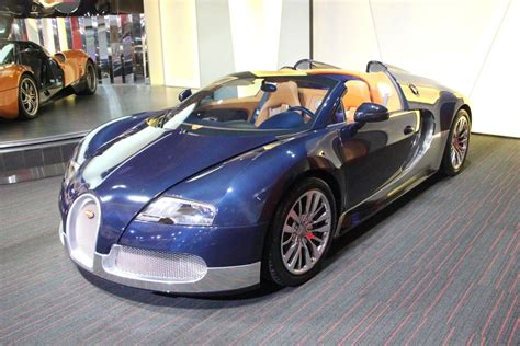 Gorgeous Blue Carbon Fibre And Silver Bugatti Veyron Grand