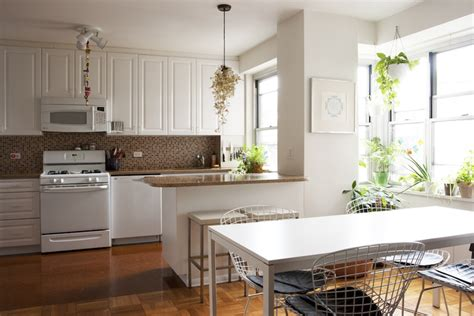 feng shui kitchen color 9 easy ways to feng shui your tiny apartment 7191