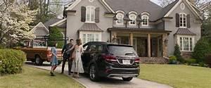 Hyundai Santa Fe Car in Instant Family (2018) Movie