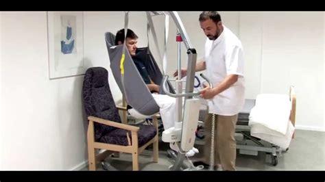 fauteuil roulant de transfert l 232 ve personne winn motion 175 transfert lit fauteuil
