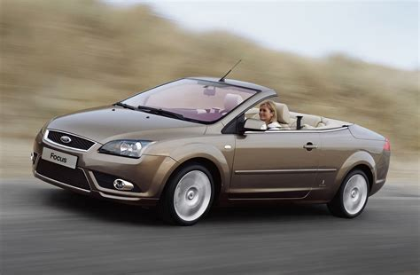 ford focus coupe cabriolet   review parkers