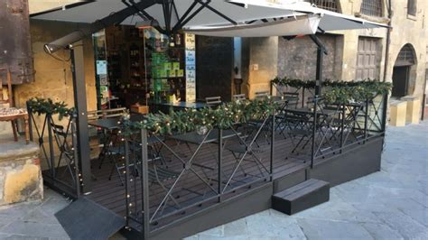 pedana per bar pedana in legno per dehors bar ristoranti spillantini