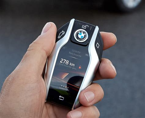 bmw  series   super cool key fob   digital