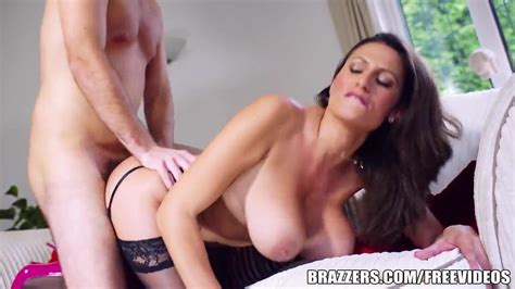 Brazzers Hot Milf Jane Shows Off Her Big Tits Hd Porn 55