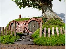 Living In A Hobbit House That Only Costs Around $5,000 To