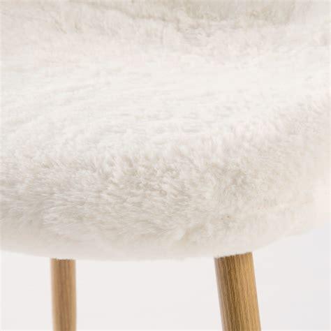 chaise style scandinave en imitation fourrure blanche