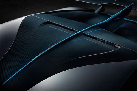 With its futuristic and ferocious design and its completely different personality and driving performance, bugatti has. BUGATTI Divo specs & photos - 2018, 2019, 2020 - autoevolution