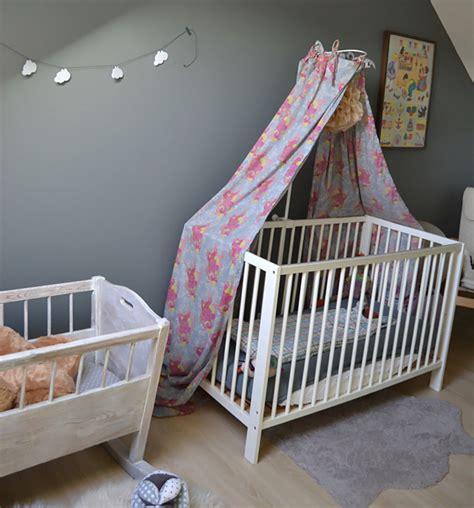 chambre liberty deco chambre bebe fille liberty
