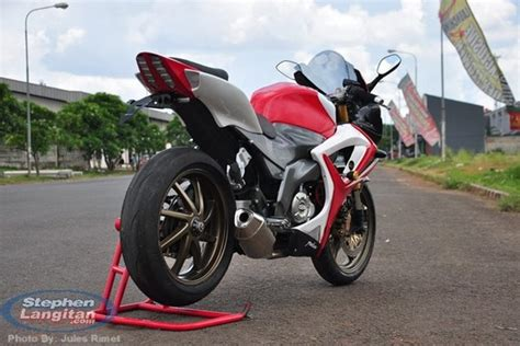 Bike Modification Graphics by Makeover For The Bajaj Pulsar 220 The Rouser 220