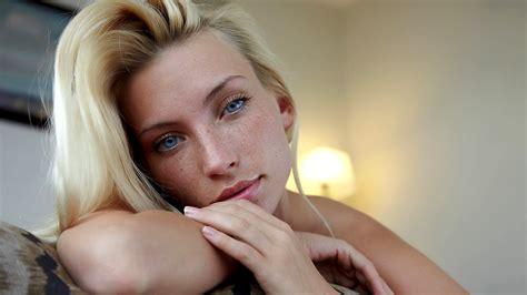 beautiful girl blonde  blue eyes wallpapers  images
