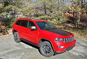 Jeep Grand Cherokee 2017 : review 2017 jeep grand cherokee trailhawk 4x4 two rows eight cylinders zero compromises ~ Medecine-chirurgie-esthetiques.com Avis de Voitures