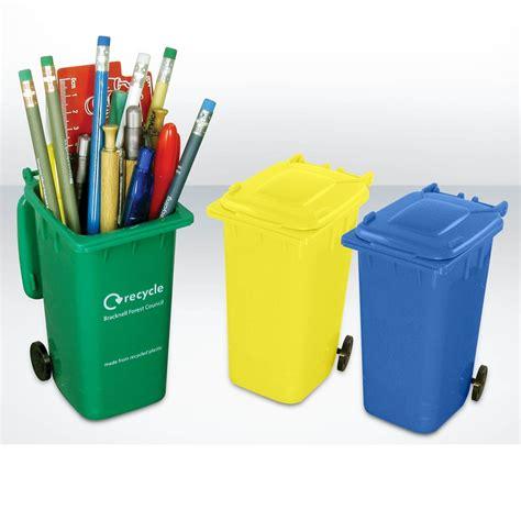 mini golf de bureau container pennenhouder ecorelatiegeschenken be