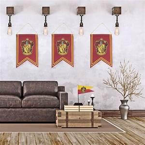 Harry Potter Decoration : harry potter decoration gryffindor banner flag set ~ Dode.kayakingforconservation.com Idées de Décoration