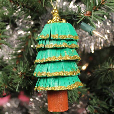 history of the christmas tree animaplates