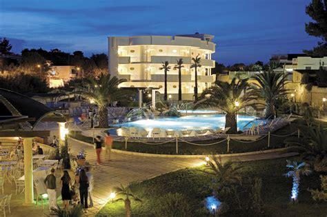 Hotel Il Gabbiano Pulsano by Hotel Gabbiano Sul Mare A Marina Di Pulsano Taranto Su