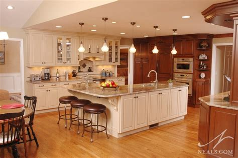 mixing kitchen cabinet colors mixing cabinet colors in the kitchen 7547