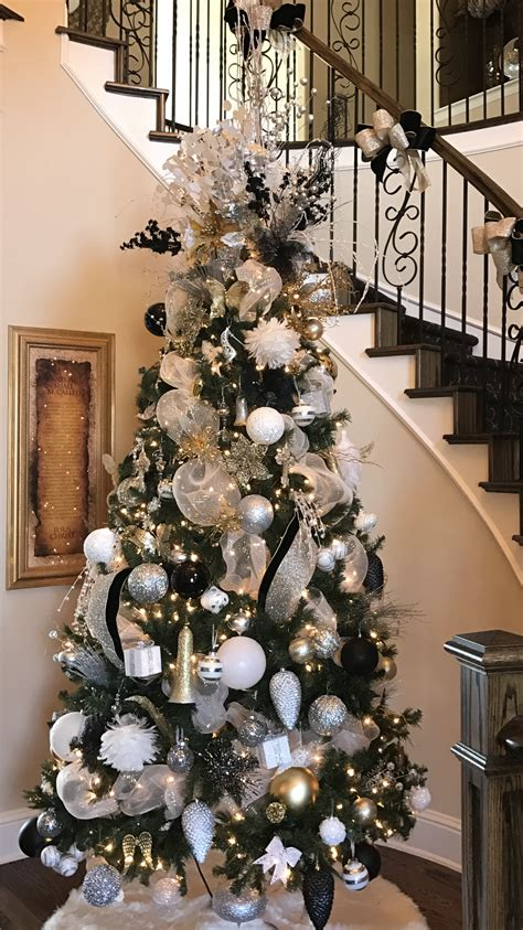 christmas tree  silver gold black  white tree
