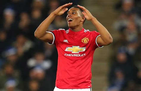 Man utd face burnley in the premier league at old trafford but edinson cavani is only a sub despite scoring in successive games this week. Why Anthony Martial isn't playing for Man Utd vs Burnley ...