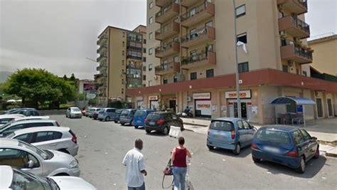 Fotogallery amedeo di savoia, il principe imprenditore Assaltato market in viale Amedeo d'Aosta, rapinatori ...
