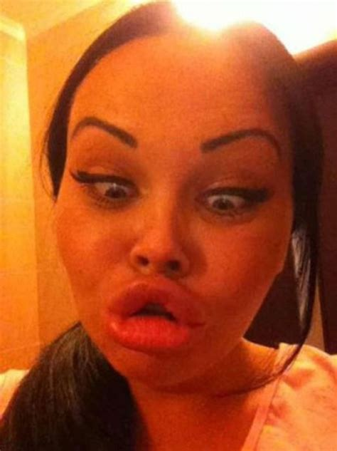 funny duck face selfies  girls captured  early days