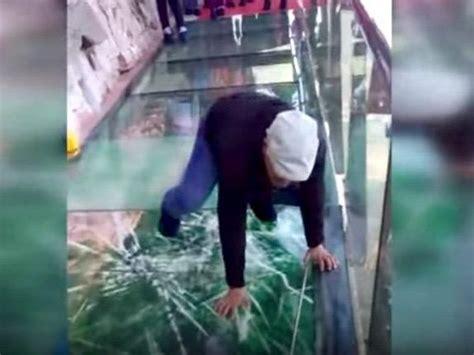 terrifying prank  tourists  glass bridge