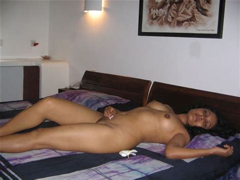 Pics of indian wife showing herself while doing it