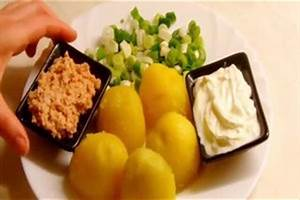 Kartoffeln In Der Mikrowelle Zubereiten : video im dampfkochtopf kartoffeln zubereiten so gelingen salz und pellkartoffeln ~ Orissabook.com Haus und Dekorationen