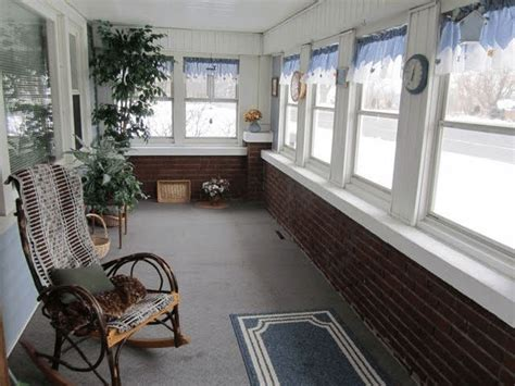 25+ Best Small Enclosed Porch Ideas On Pinterest