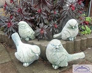 Kleine Vögel Im Garten : kleine niedliche spatzen tierfiguren als gartendeko ~ Lizthompson.info Haus und Dekorationen
