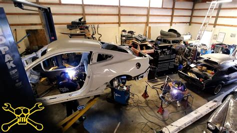 Building A Car by 2015 Mustang Race Car Build Preview