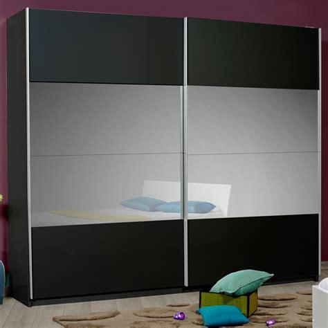 couleur de porte d armoire de cuisine armoire dressing univers de la chambre tousmesmeubles