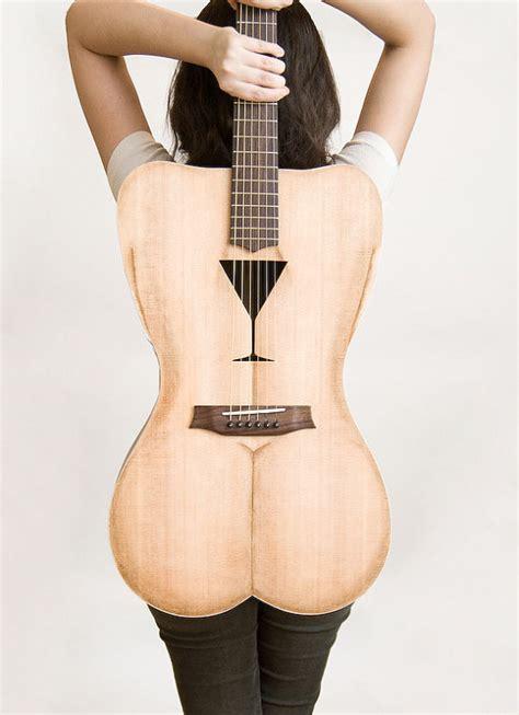 robe de chambre peluche femme guitare en forme de courbes de femmes