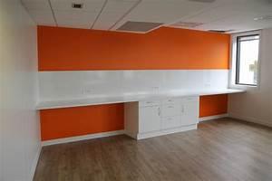 Plan De Travail Pour Bureau : espace de convivialit avec plan de travail element ~ Dailycaller-alerts.com Idées de Décoration