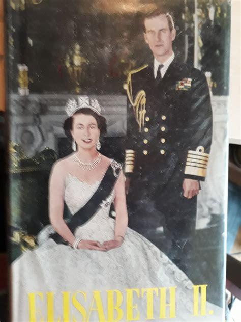 """April 1926 im londoner haus ihres großvaters mütterlicherseits geboren. """"Elisabeth II und ihre Schwester Margaret Rose"""" - Bücher ..."""