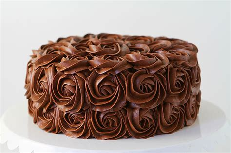 whipped chocolate buttercream frosting recipe