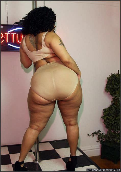 Big black ass, naked black moms,... Pic #4